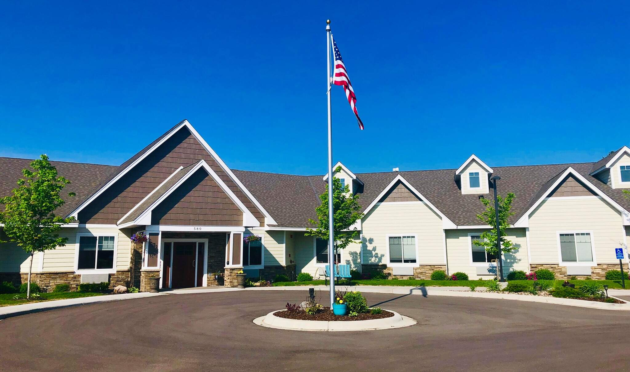 Suite-Living-Memory-Care-Assisted-Living-Mn-Vadnais-Heights