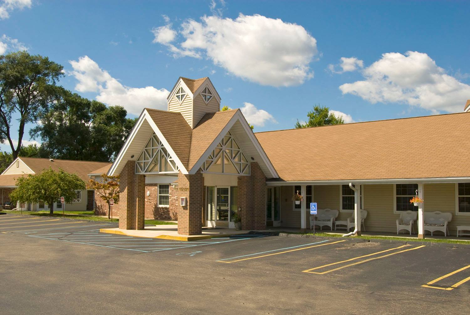 assisted living livonia mi